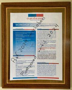 """Ein Workshop-Flyer, mit """"Auf 2024 verschoben"""" darauf geschrieben"""